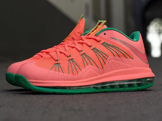 Official College Life Nike Air Lebron X Low (Mango ...