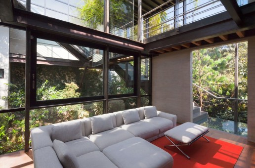 #DOPE: The Tepozcuautla House Makes It Feel as If You're Living Amidst the Forest (Photos)