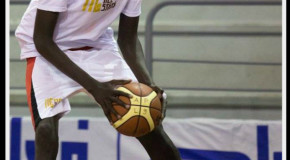Watch 7'2 16 Year Old Phenom Chol Marial From South Sudan (Video)