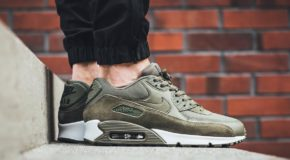 "#SNEAKERHEADS: The Nike Air Max 90 Essential Gets Remixed In ""Medium Olive"" (Photos)"